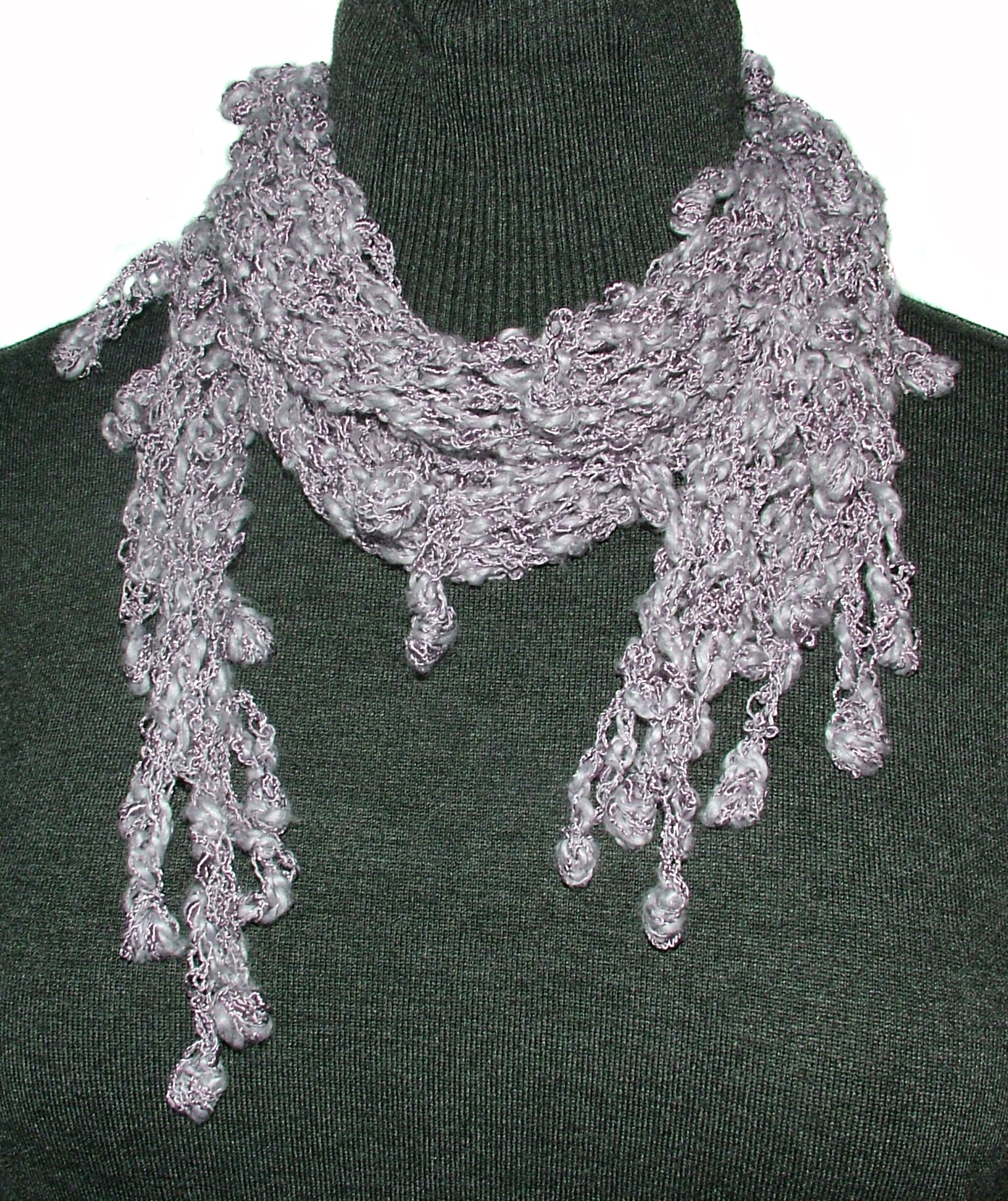The Lattice Scarf with Berries – Crochet Pattern   Renate ...
